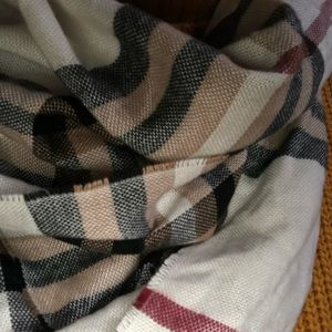 Accessories - 3 for $20 Sale 💕 ! Plaid Scarf